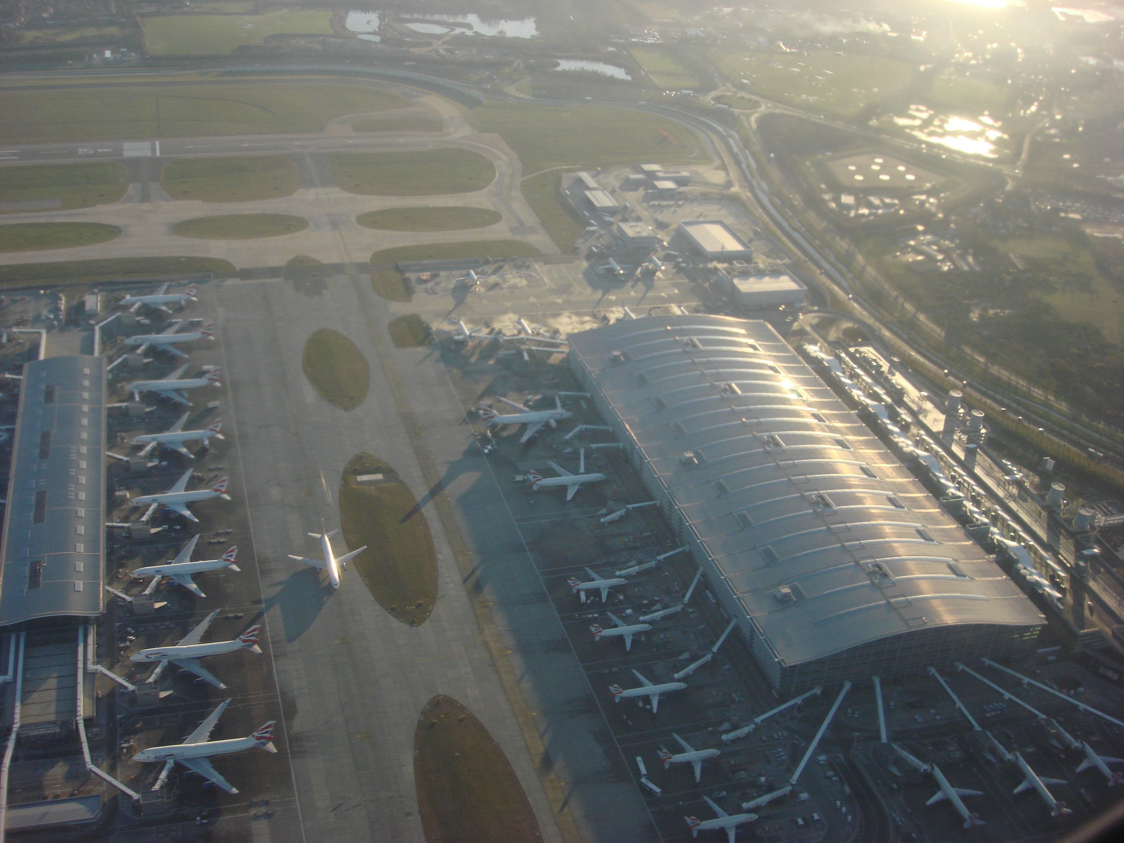 Аэропорт Хитроу (the Heathrow airport)